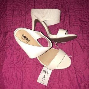 White mule heels